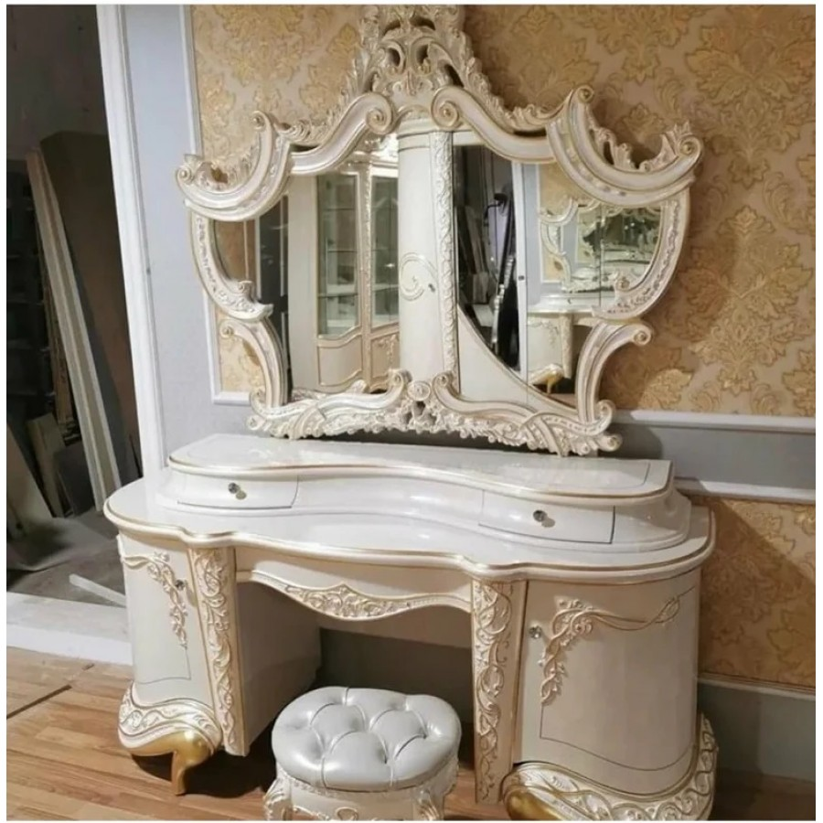 Туалетный стол с зеркалом РОКСОЛАНА